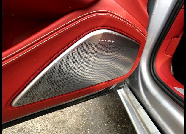 Audi S8 2016 Bang indywidual lodówka LED