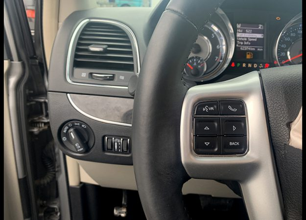 Chrysler Grand Voyager 2015 Europa !!! 62 tys km bez skór !!!