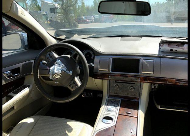 Jaguar XF 3.0i